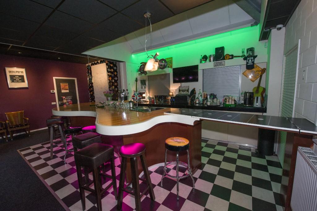 Bar-oerbekke-timmerwerken